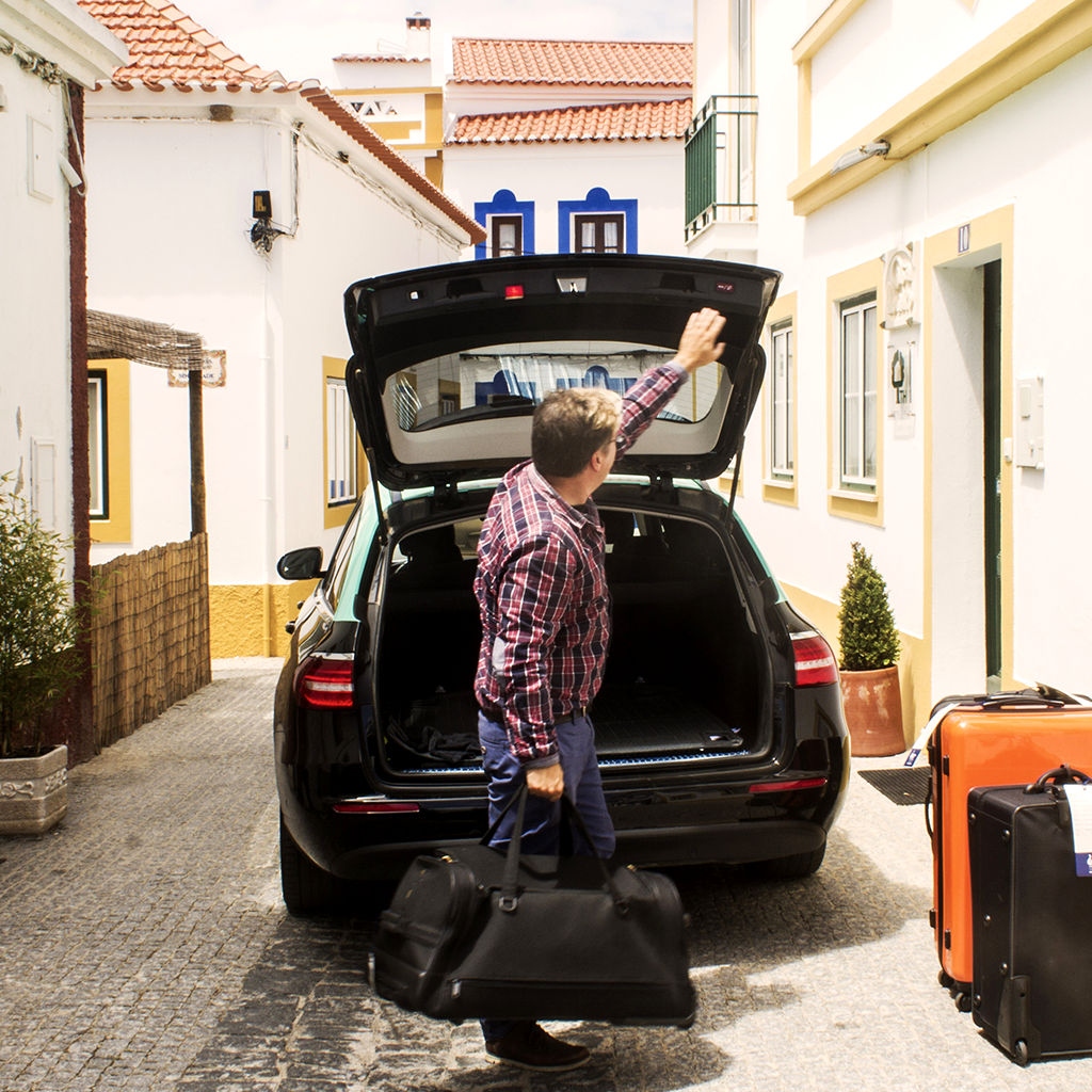 Car rental, taxis and baggage transfers